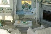 Cozy Cottage / by Cherrie McCartney
