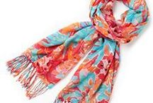 Scarves, echarpes and pashminas / They can totally change your outfit - a good investment!