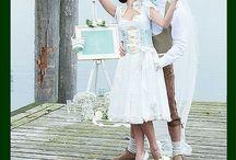 Hochzeit in Tracht / Brautdirndl Wedding Inspirations Hochzeit Trachtenhochzeit Vintage Hochzeitsdirndl Moderne Tracht