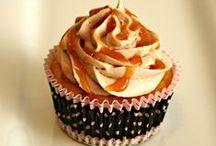 Cupcakes / Lots of cupcake recipes and ideas! / by Kecia (Southern Girl Ramblings)