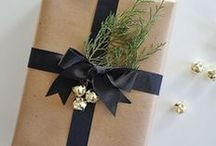 GIFT WRAPPING IDEAS / Beautiful and easy gift wrapping ideas found via Rebekah Dempsey at https://ablissfulnest.com.