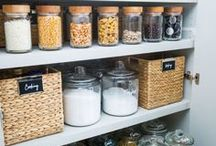 HOME ORGANIZATION IDEAS / A collection of our favorite home organization ideas! Grab tips and tricks to create your dream home organization! Curated by Rebekah Dempsey of A Blissful Nest. https://ablissfulnest.com