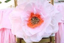 BRIDAL SHOWER IDEAS / Beautiful bridal shower ideas and decorating found via Rebekah Dempsey at https://ablissfulnest.com.