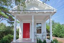 I love Tiny Houses!!!