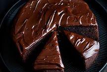 cakes / by Kelli Mitzel
