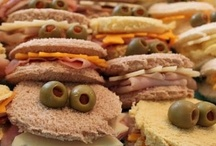 I eat sandwiches / by Lisa Beecroft