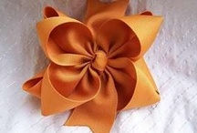 Bows Tutorials / by Pam Hunter