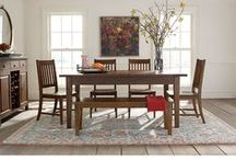 dining / Gather around! From everyday family meals to special dinner parties with friends, the best dining rooms create a comfortable setting for engagement and entertainment.