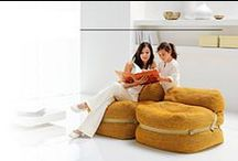 Divani e poltrone / Collezione di divani e poltrone di linea classica e moderna. Soluzioni personalizzate e su misura per il living contemporaneo proposte da Tino Mariani.
