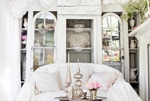 Cottage style / by Charlotte Roberts