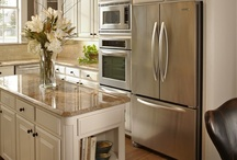 Kitchens / by Marian Thornton