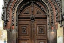 aDOORation Brown Doors / by Joyce Ann Smith Lynch