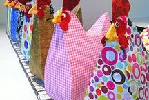 Everything Rooster (and Hens, of course)! / Decorating with chickens.