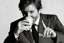 Famous Coffee Drinkers / Pictures of famous coffee drinkers actors, writers, rock stars drinking coffee www.thebeancoffeecompany.com