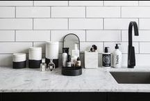 HOW TO ORGANISE YOUR BEAUTY ROUTINE & HANDBAG / Make your life that little bit easier by organising your beauty routine with 5 simple steps. Visit www.vogue.com.au for the full story