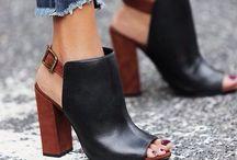 Shoes / by Dahlia Aleshaki