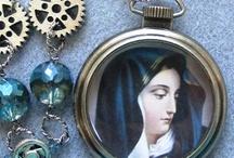 Jewelry: Religious