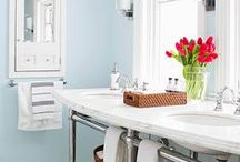 Bathroom Organization and Cleaning Tips / Beautiful bathroom organization ideas and easy cleaning tips.