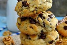 chunker cookies / cookies with lots o goodness.
