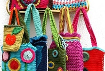 CROCHET HANDBAGS, PURSES & CASES. / by Jeannette Ulloa
