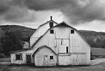 Barns / by Cara