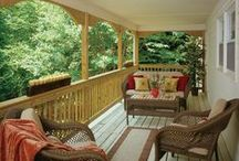 Open Back Porches / Want to go au naturale? No screens. No windows. Just one GREAT view from your back porch. An open porch is the perfect solution. Nice breezes and exceptional visibilty. Check out these back porches to get your ideas flowing!