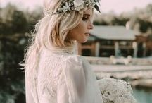 Gorgeous bridal hair inspiration / From a classic veil to a beautiful flower crown, bridal headpieces and hair accessories let you make your wedding day look completely your own!