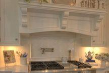 kitchens / by Lara White