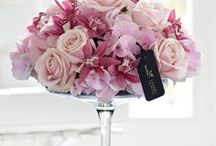 Pink Wedding Flowers / Pink wedding flowers can work beautifully as a classic or contemporary choice