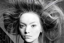 hair apparent. / apparently, hair.