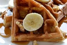 Must Make Munchables: Breakfast & Brunch / Delectable breakfast/brunch recipes and ideas / by Lyndsey Graham