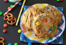 Cookie Recipes / Homemade cookies are the best. They're perfect because they're so easy, plus they're great for gifting and packing into lunch boxes. On this board you'll find only the best homemade cookie recipes!  / by Jillian @ Food, Folks and Fun (foodfolksandfun.net)