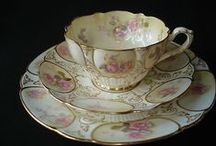 Home accessories / Tea cups and saucers, dinner sets,