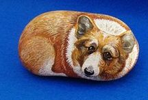 Rocks that Rock ! / Glorious ideas to paint on a plain rock and make it beautiful. / by Linda Garcia