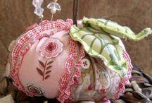 Embroidery/ Buttons/ Filt/ Knitting/ Crochet ✂ / Borduren, knopen, vilt, breien, haken
