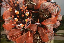 Halloween, Fall, and Thanksgiving / Ideas for Fall, Halloween, and Thanksgiving decorations, recipes, crafts, etc. / by Karen Goodson
