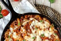 Yummy Cheesy Pasta Bakes / Hearty delicious pasta bakes that are great for family dinners and easily thrown together for party guests too. The cheesier the better.