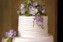 Give Me Cakes and Ale / wedding cakes
