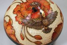 Esquisite Gourd Art / Gourds crafted by extremely talented artists!