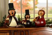 Our Gourds for Winter and Christmas / Handcrafted gourds to decorate your home for Christmas and the Winter season.