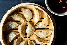 Asian Eats / by Sylvia Abumuhor