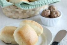 Bread, buns, rolls... / by Leticia Ono