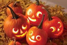 Spooktacular Halloween Decor / The spookiest, most wicked Halloween-inspired decorating ideas for your home! Pin them, if you dare... Mwuahahaha!