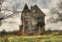 Old Creepy Homes / by Carol Goldstein