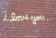 *ART DE LA RUE* par charlotteblabla. Street art / photographies de belles choses dans la rue: peintures, graffitis, tags, enseignes, maisons, architectures, affiches. street art  http://charlottecestpasdelatarte.over-blog.com/