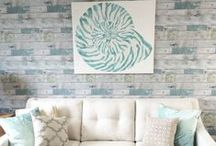 Beach Chic Decor / Decor for a beach chic look, whether you're on the coast or want a touch of the tropics in your landlocked home.