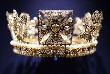 R O Y A L -  O P U L A N C E / Obsessed with royalty