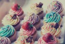 Cupcake / Mmmmmm cupcake! / by Kya O
