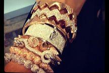 *Jewellery!*