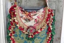 Bags / Cutchi cutchi ... / by Marya G. L. Teixe
